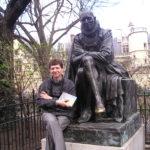 Рядом с Монтенем Париж 2005г.